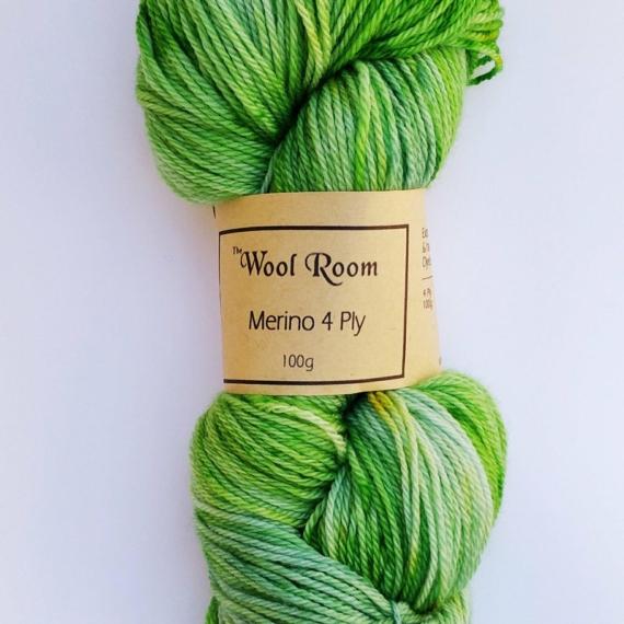 Hand Dyed Merino Wool 4 Ply 100g - Aragonite