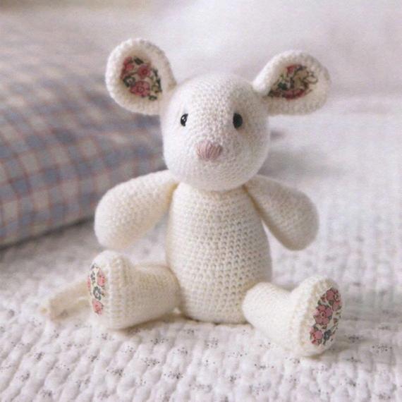 Debbie Bliss Crochet Mouse 4 Ply