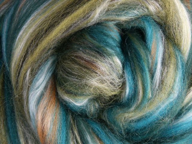Merino & Silk Wool Roving 100gm - Peppercorns